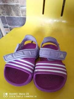 [Lowest price!] Original Adidas kids sandal US/UK 4 for kids.