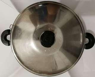 Buffalo Stainless Steel Wok with lid