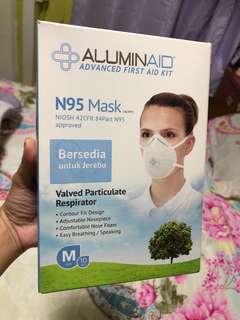 🚚 BNIB N95 Mask