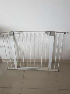 🚚 Lindam Safety Gate