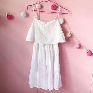 🚚 White Flutter Eyelet Dress