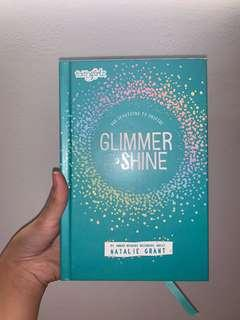 🚚 CHRISTIAN DEVOTION 365 FOR GIRLS // GLIMMER AND SHINE by AWARD WINNING ARTIST , NATALIE GRANT