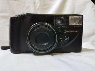 Samsung AF Zoom 700 Camera