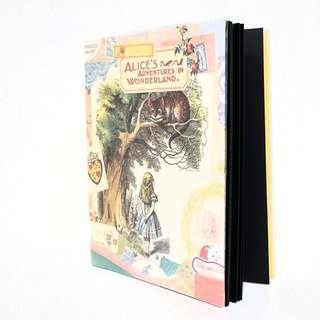 🚚 韓製復古愛麗絲夢遊仙境相簿黏貼冊(附書套)復古 愛麗絲 相簿 韓國製