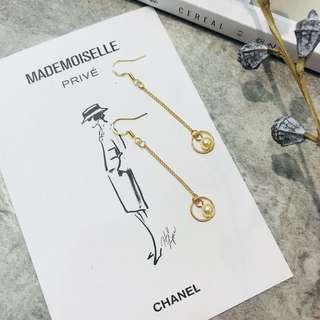 🚚 Gold Circle Pearl Drop Earrings
