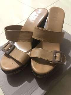 Sandal wedges ELLE Preloved