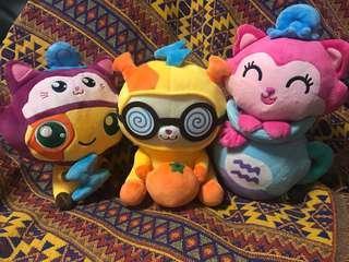 香港冒險樂園❤️ 左手邊:雷鳴獸扮星曈貓 、橙皮兔扮雷鳴獸 、星曈貓星座