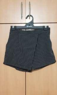 🚚 Shorts skirt stripey