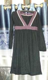 Dress leher V