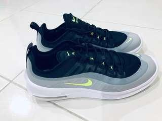 New NIKE AIR MAX Axis