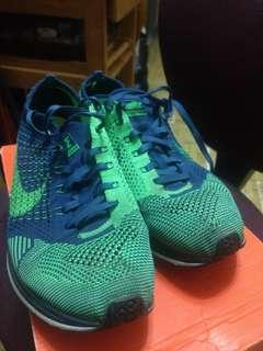 Nike Flyknit Racer us9.5 blue and green