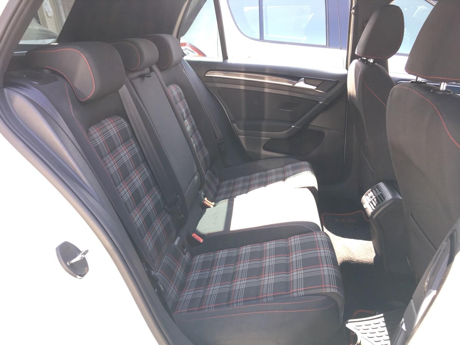 【全額貸】二手車 中古車 2014年 GOLF GTI 2.0白 黑內裝