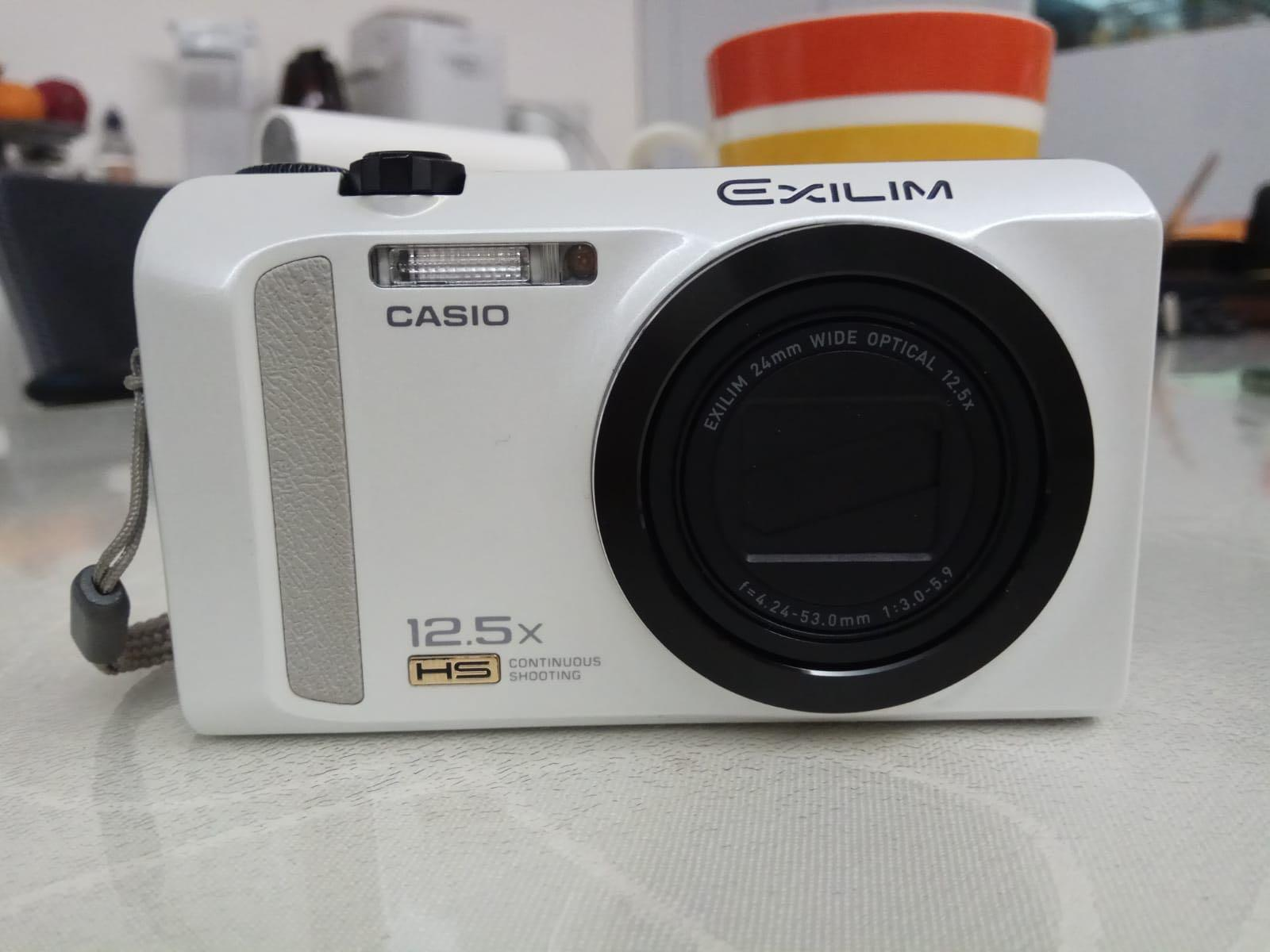 Casio EX-ZR200 Digital Camera