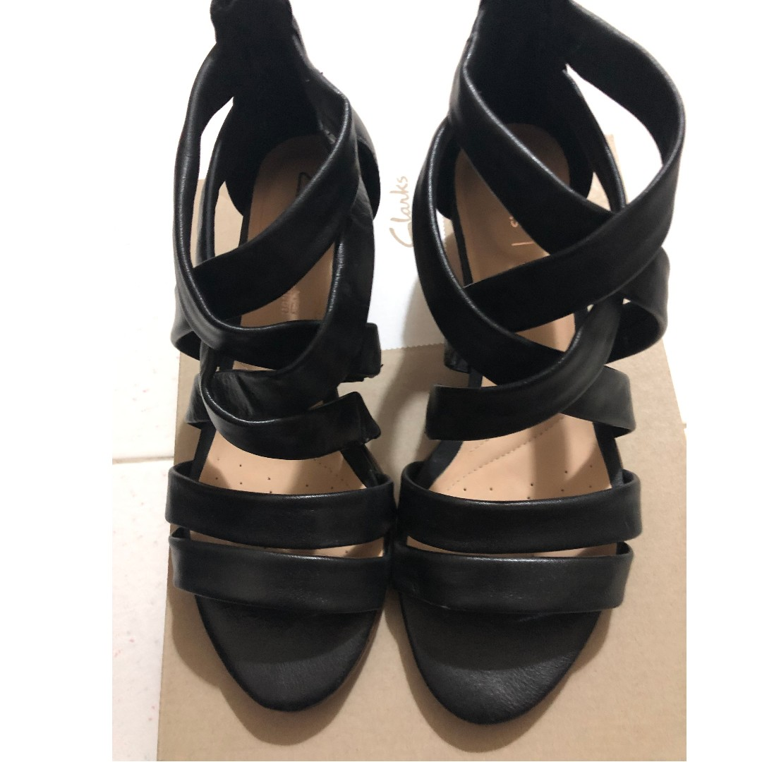 d6039c58ac3 Clarks low heel black leather strappy sandals with heels EUR 38 UK 5 ...