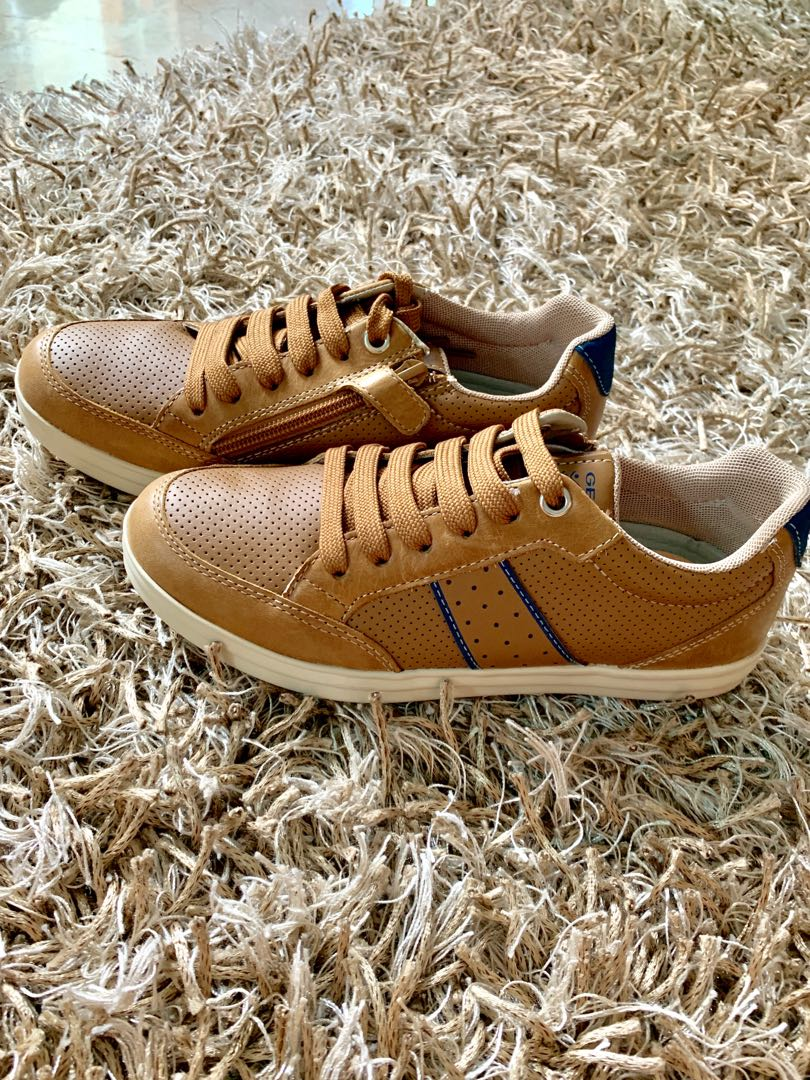 finest selection b7fbf 48f0b Geox sneakers for boys (Brand New)