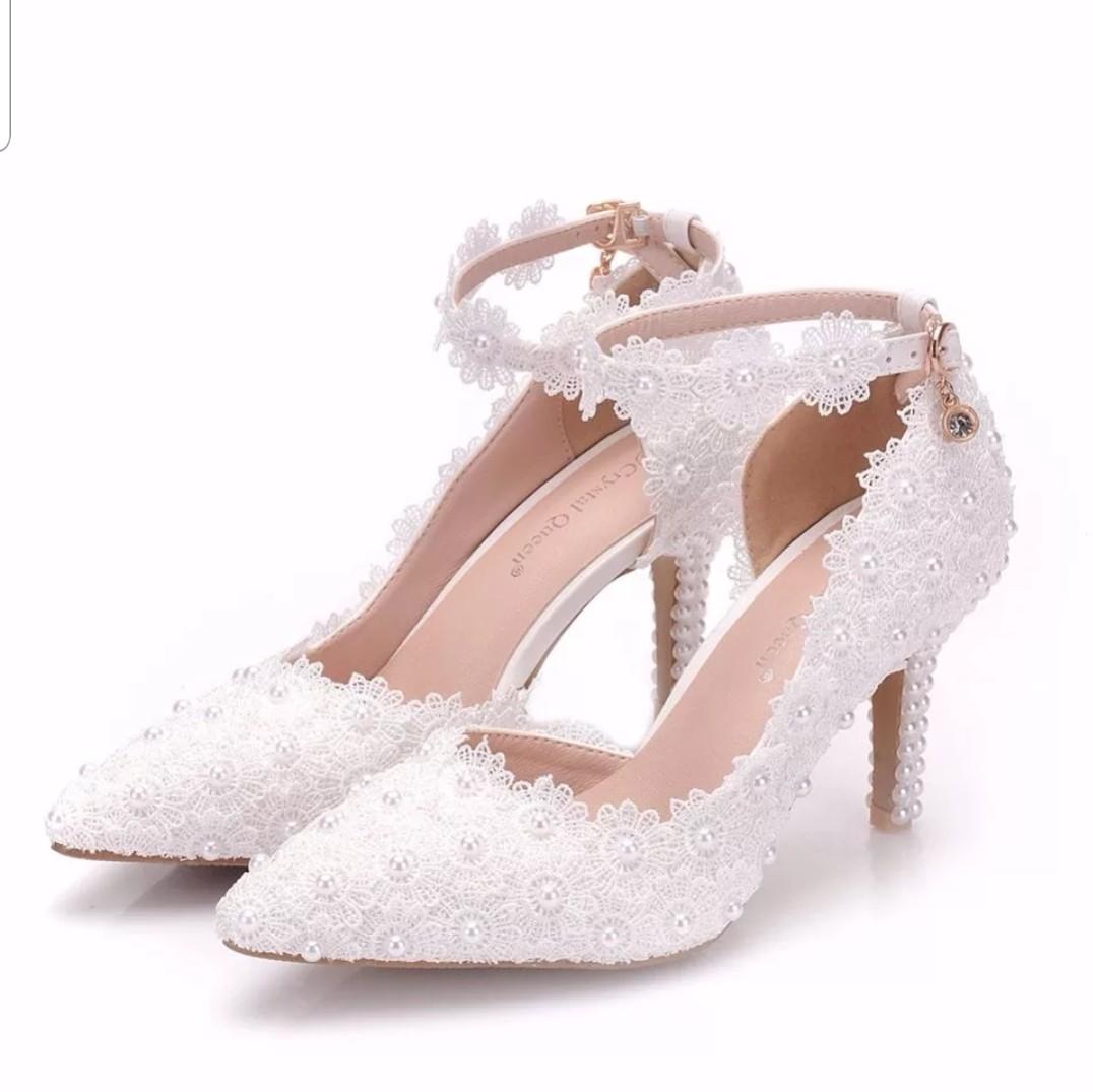 40e446e92cf Lovely Lace Wedding Shoes - Brand New!