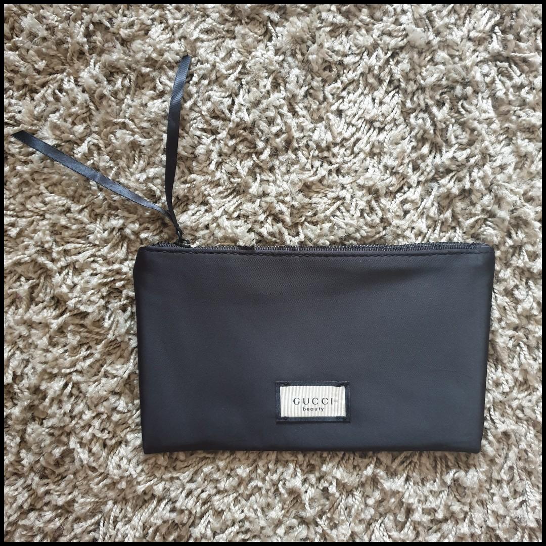 b84d059e986bce Mailed] [Sale] Authentic Gucci Beauty Pouch, Women's Fashion, Bags ...