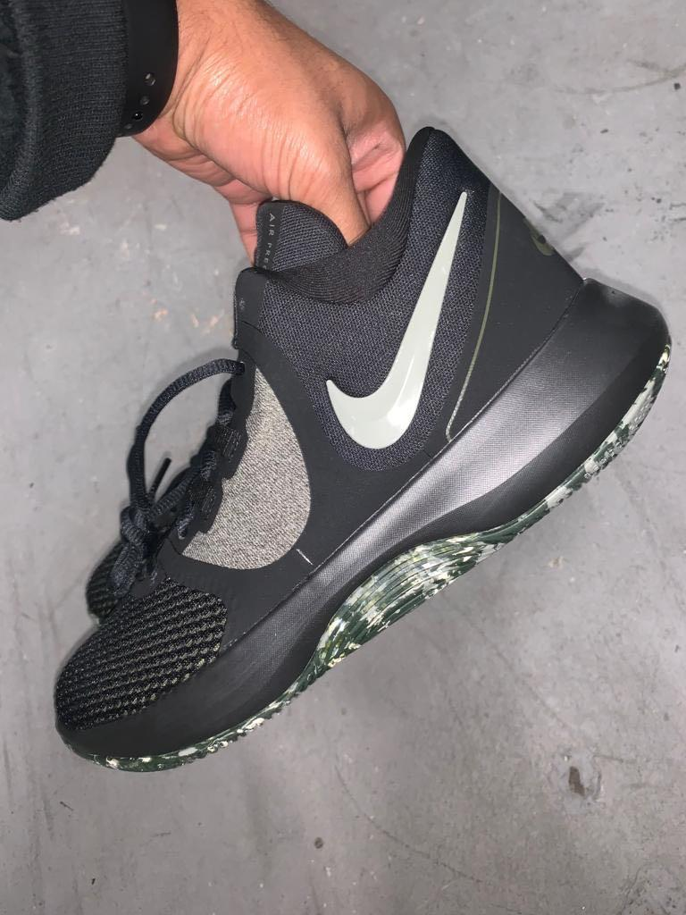 Nike Precision ll Basketball Shoe new size 8