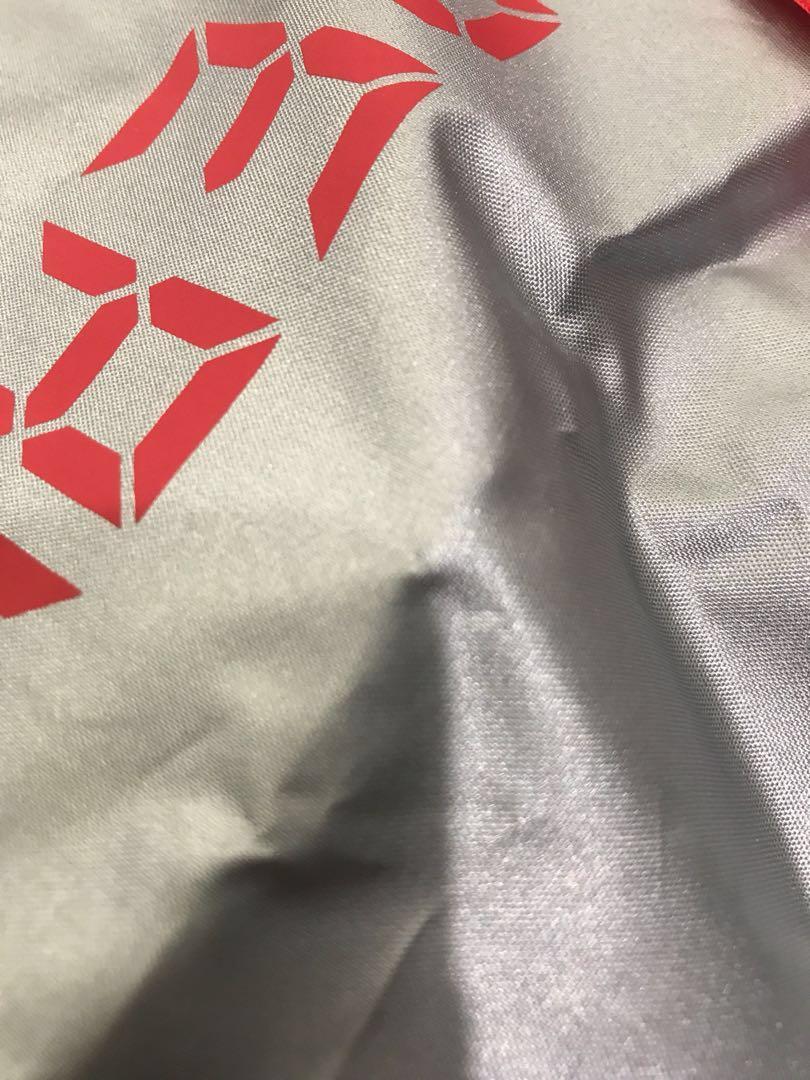 Nike+ run club 2018年香港渣馬限量索繩布袋(銀色)