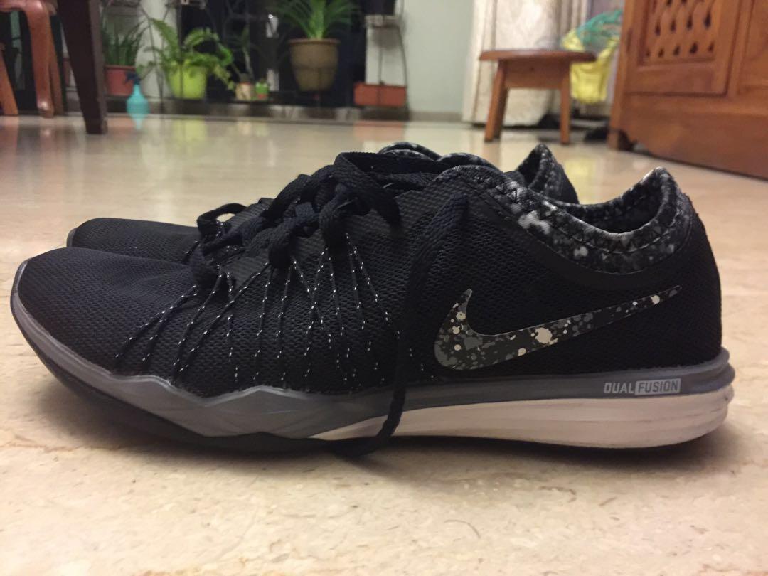Nike Training Dual Fusion Hit women (US