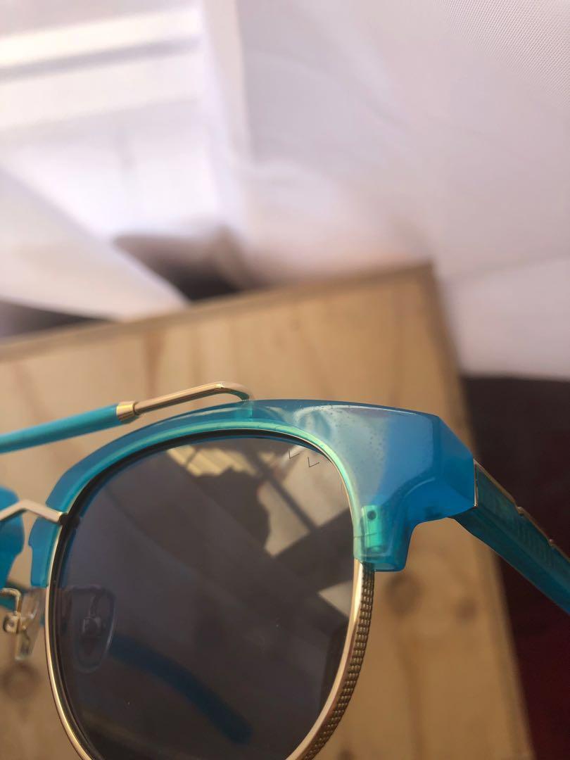 Pared Eyewear Turks & Caicos Hawaiian Blue sunglasses