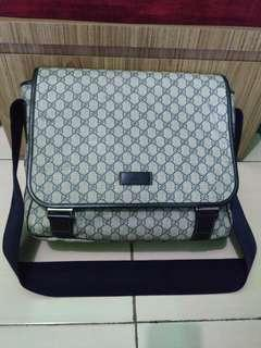 Gucci Pattent Sling bag Authentic