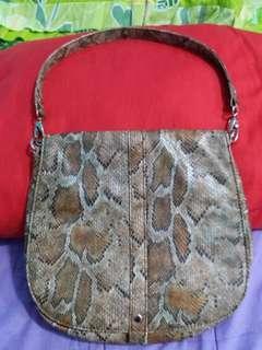Sling bag motif ular