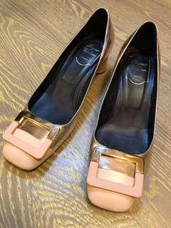 Roger Vivier women Shoes (with bag and box)