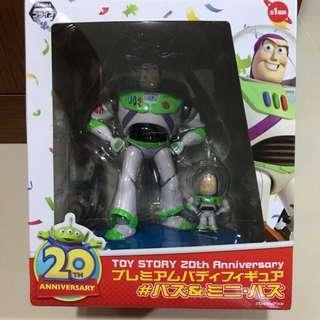 🚚 【迪士尼DISNEY 】玩具總動員大巴斯與迷你巴斯全新未拆公仔20週年20周年20TH 紀念版