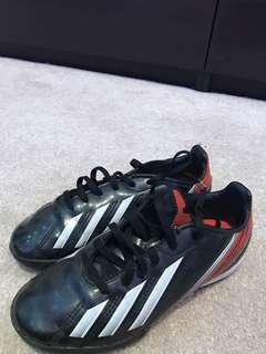 Adidas boys gym soccer cleats