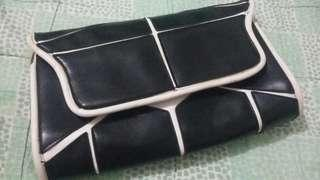 Pouch bag amoni (black)