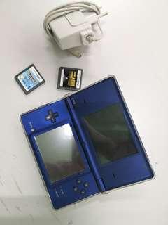 🚚 Blue Nintendo Dsi with 2 games