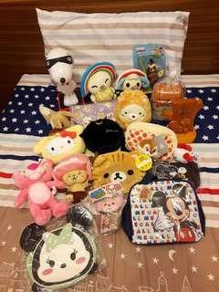 🚚 一堆娃娃機戰利品~kitty,snoopy,角落,喬巴,open醬,奇奇…(100起)