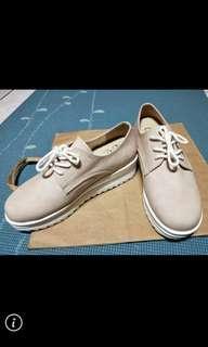 🚚 二手防潑水女鞋23