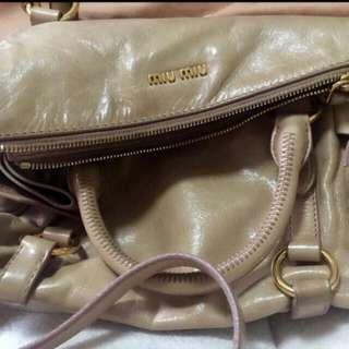 🚚 Miu Miu Bow Satchel