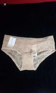 🚚 Calvin Klein Women's Bare Lace Hipster Panty
