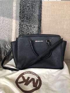 Michael Kors Selma Bag (Black)