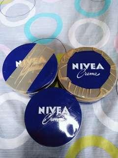 Authentic Nivea Creme 400ML (750.00 each)