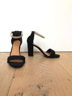 Never worn Ardene black block heels with gold ankle detail