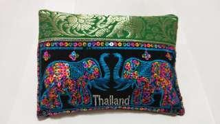🚚 大象刺繡手拿包