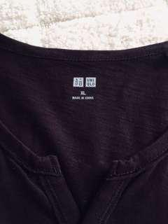 Uniqlo V-Neck purple
