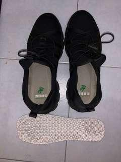 Knitted mesh Safety Shoe