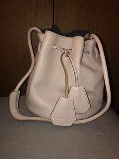 Rabeanco bucket bag