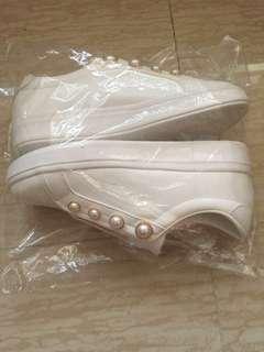韓國珍珠白鞋