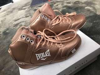 🚚 EVERLAST 玫瑰金屬色 拳擊運動鞋!尺寸EU38/US7/JP24