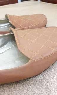 Flatshoes Gratica Coklat (Baru) Ukuran 39