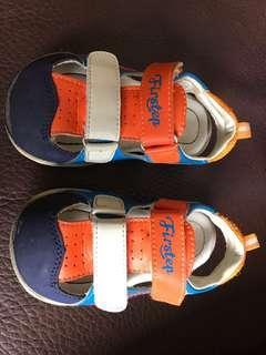 🚚 二手涼鞋尺寸:24號