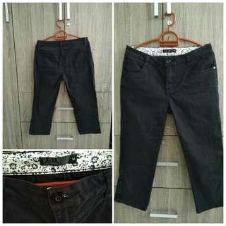VOIR Quarter Black Pants #SparkJoyChallenge
