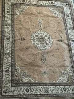 Carpet Urgent to let go