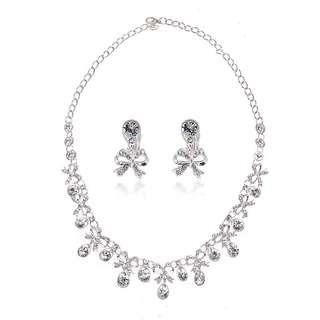 🚚 Wedding Necklace and Earrings
